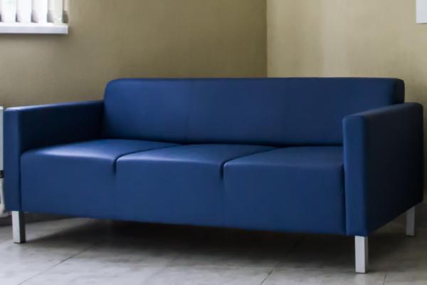 диван синий трехместный