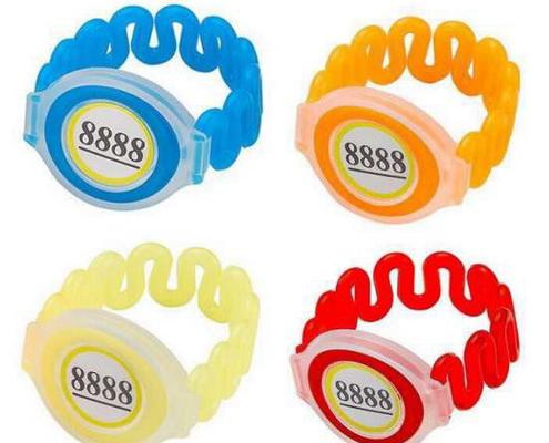 пластиковый браслет электронный