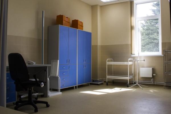 мебель для медицинского кабинета при бассейне